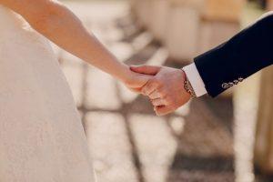 memilih tanggal pernikahan